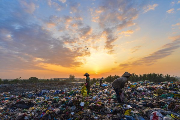 The city rubbish dump by sunrise  thumbnail