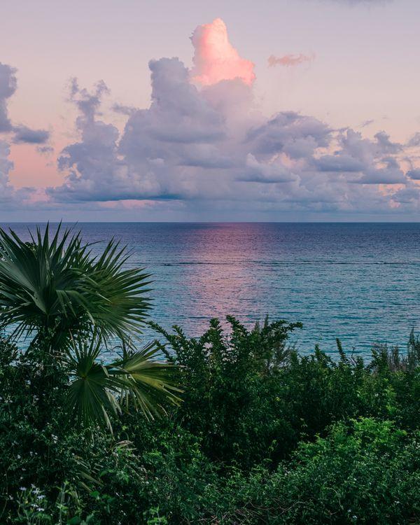 A sunrise in the Bahamas thumbnail