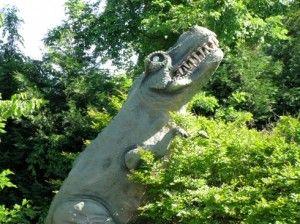 20110520083214golf-course-dinosaur-300x224.jpg