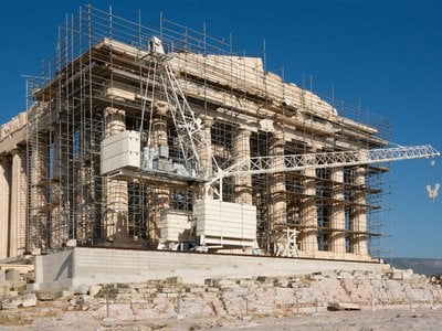 Restoration work on the western facade of the Parthenon in 2015