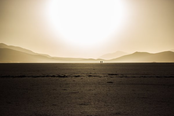 Uyuni Desert Sunrise thumbnail