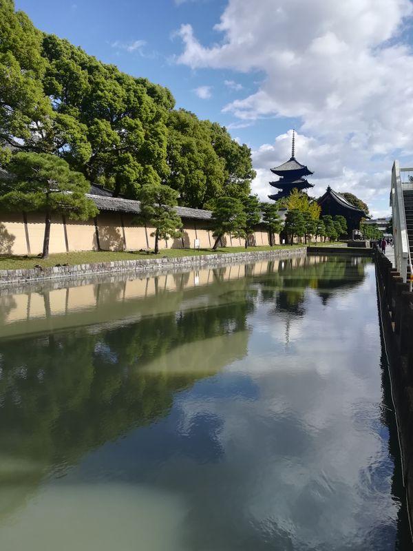 A pagoda on Sunday morning thumbnail