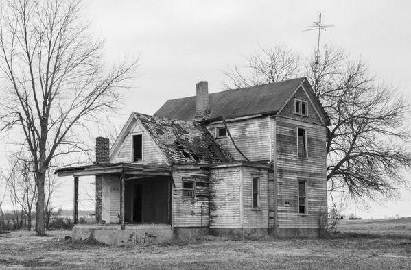 Abandoned Farmstead, nestled in the vast cornfields near Buckhart, Illinois thumbnail