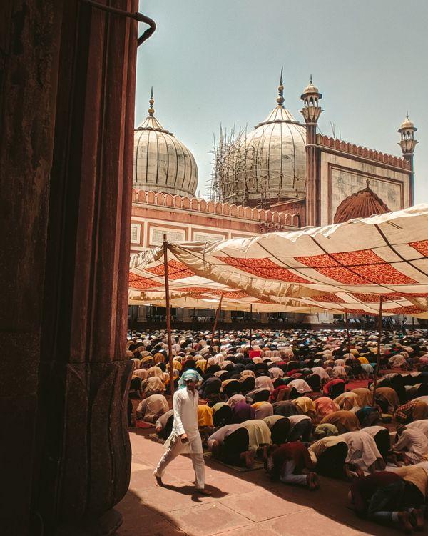 Last Friday prayers at Jama Masjid thumbnail