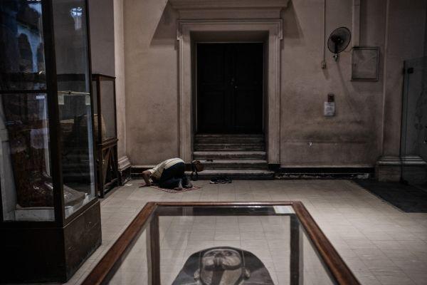Ramadan prayer in Egyptian Museum thumbnail