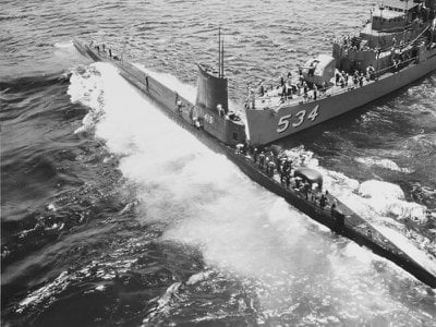 The USS Stickleback (left) was accidentally broadsided by the USS Silverstein (right) on May 29, 1958.