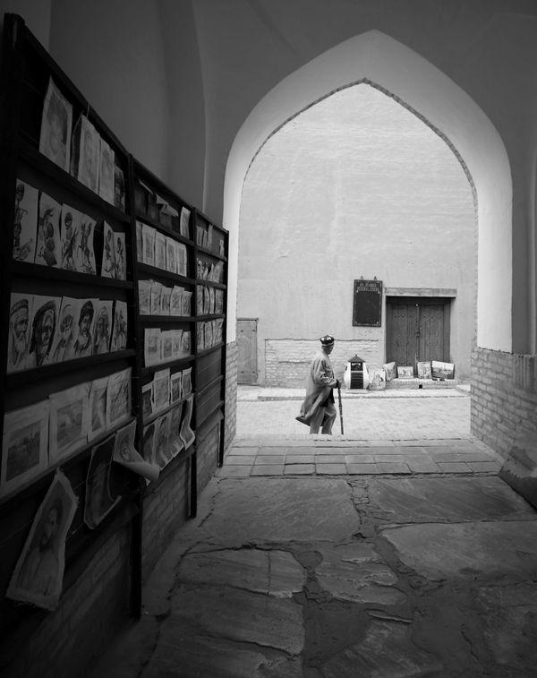 Afternoon stroll at Khiva thumbnail
