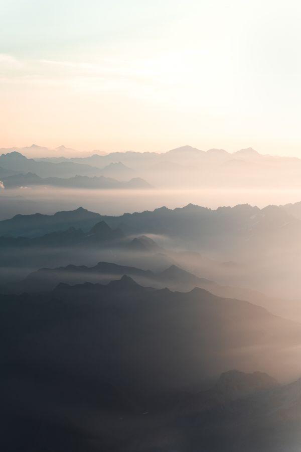 Sunrise above the Alps thumbnail