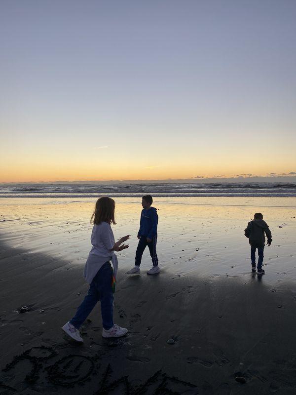 Sunset at Hokitika Beach thumbnail
