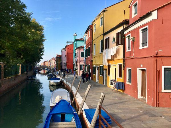 Canal on Burano thumbnail
