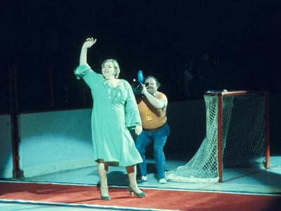 Kate Smith singing 'God Bless America' before a Philadelphia Flyers home game at the Spectrum in Philadelphia circa 1970s.