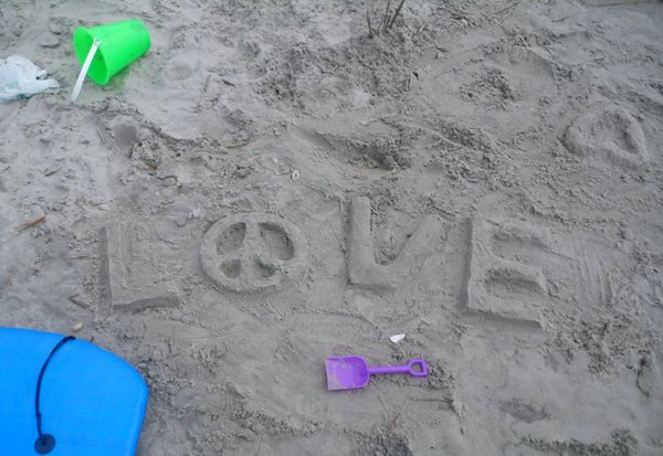Peace Love and Sand thumbnail