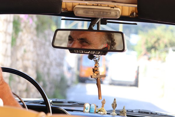 A true Capri taxi experience  thumbnail
