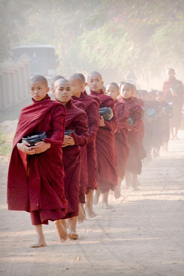 Morning Alms Walk in Bagan thumbnail