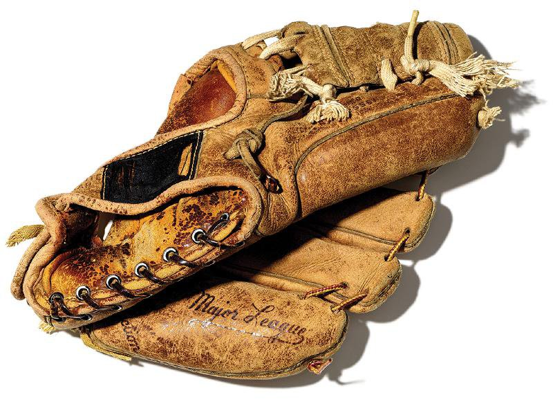 This Summer, a New Smithsonian Exhibition Takes You Inside Béisbol