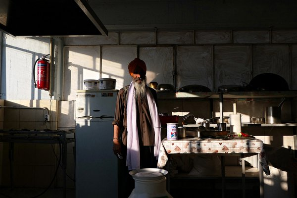 Sikh Indian immigrant in Athens thumbnail