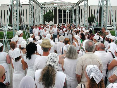 Wearing white with a white headscarf to St. John's Eve is an important part of the celebration.