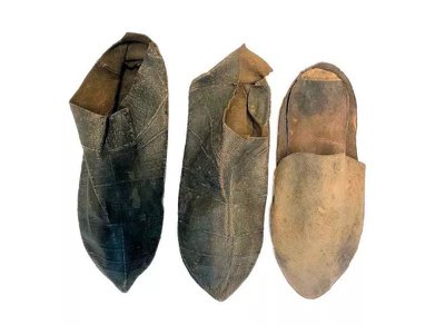 For the study, researchers analyzed three shoes found in the Renaissance artist's house.