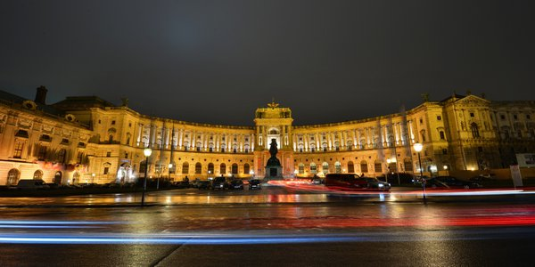 Hofburg night view in Vienna thumbnail