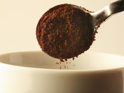 Spoonfuls of instant coffee still give some morning coffee drinkers their caffeine fix.