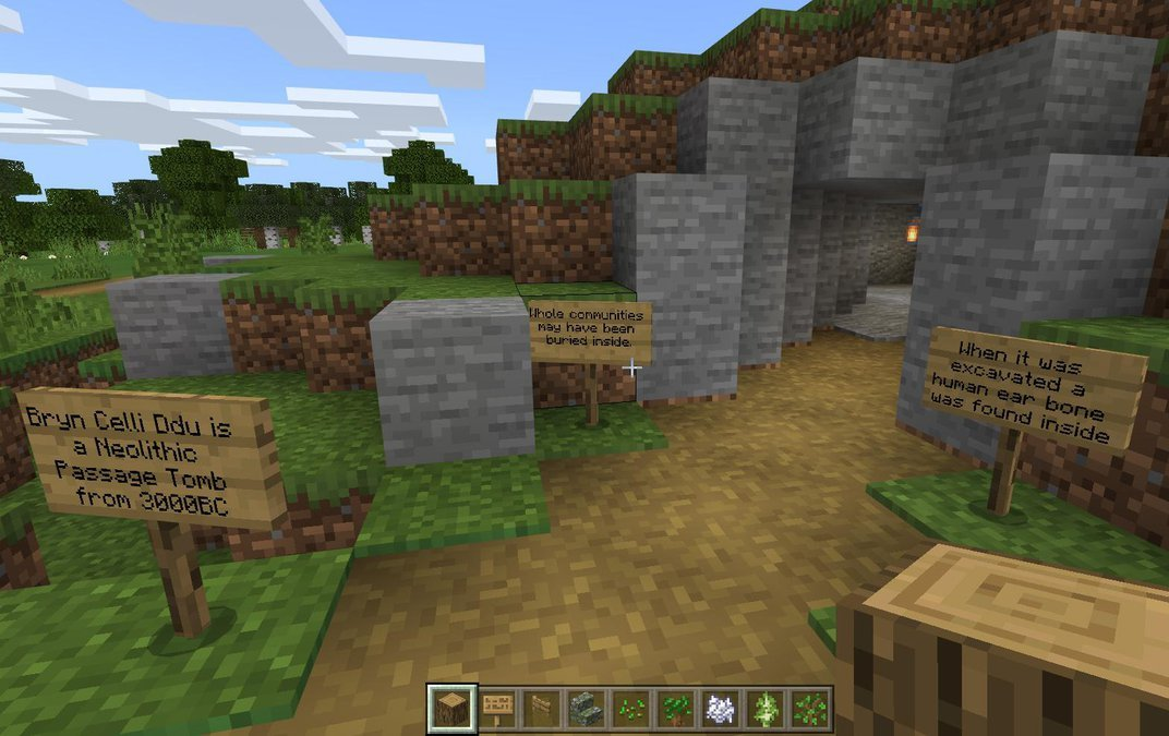 Explore a 5,000-Year-Old Welsh Tomb Recreated in Minecraft