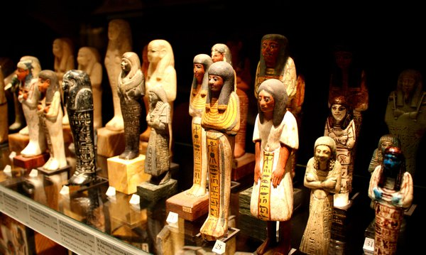 Louvre display of ancient Egyptian carvings thumbnail