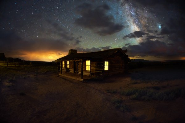 Milky Way over Ghost Ranch in New Mexico thumbnail
