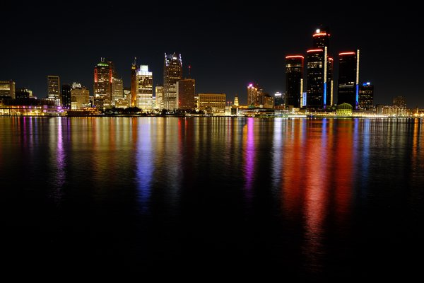 Detroit shot from Windsor Ontario Canada thumbnail