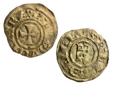 A Crusader coin found at the excavation site bears the nameof Baldwin III, who served as king of Jerusalem from 1143 to1163.