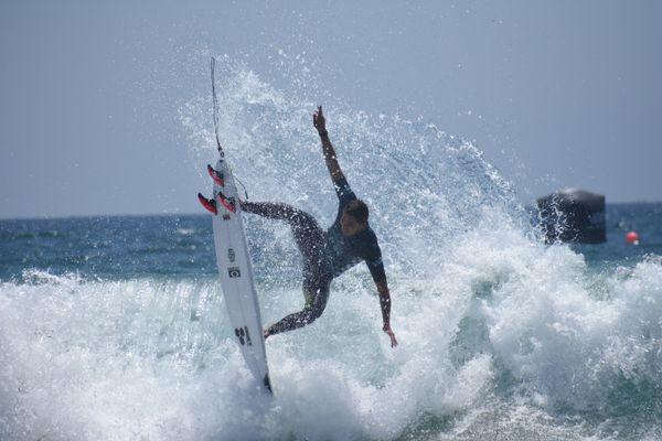 Airborn Surfer thumbnail