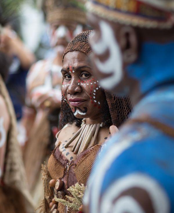 New Guinea women thumbnail