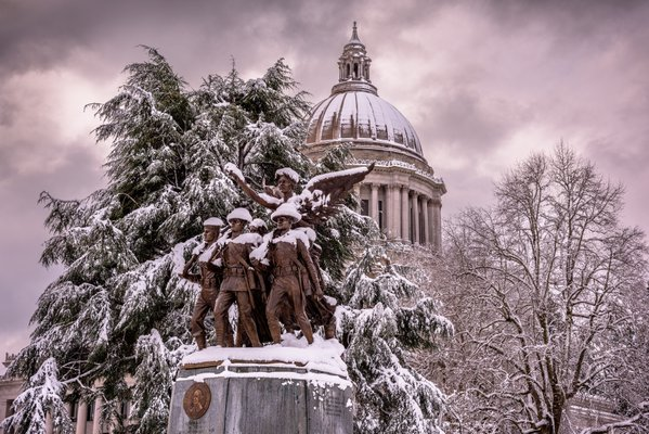 Winged Victory Monument under snow. thumbnail