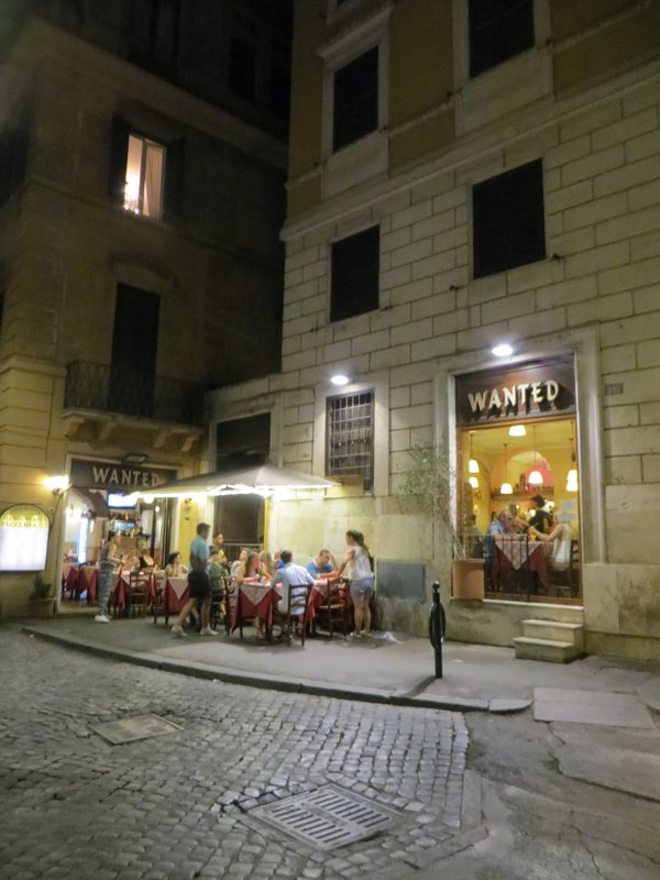 Dining in Rome thumbnail