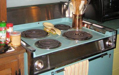Lisa's vintage stove is a little too vintage.