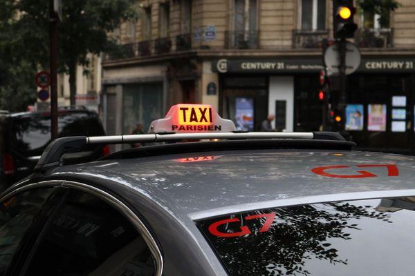 A Parisien Taxi thumbnail