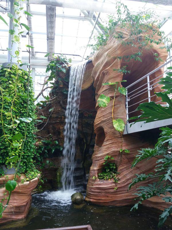 A fountain within a garden house in Gyeongju city, South Korea. thumbnail
