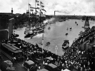 Taken in 1922, the ship Jose Gaspar passes the Lafayette Street Bridge in Tampa during the Gasparilla Festival