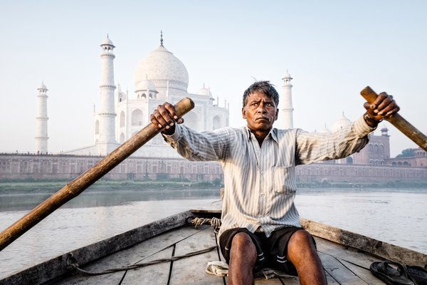 The Boatman of the Taj Mahal thumbnail