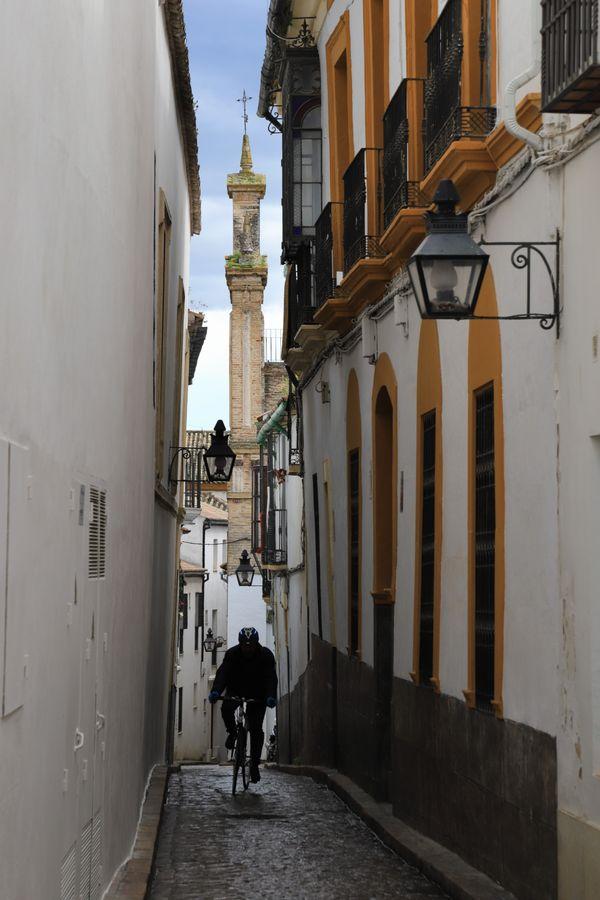 Exploring Cordoba Alley thumbnail