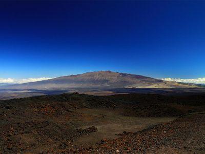Mauna Kea as seen from the Mauna Loa observatory.
