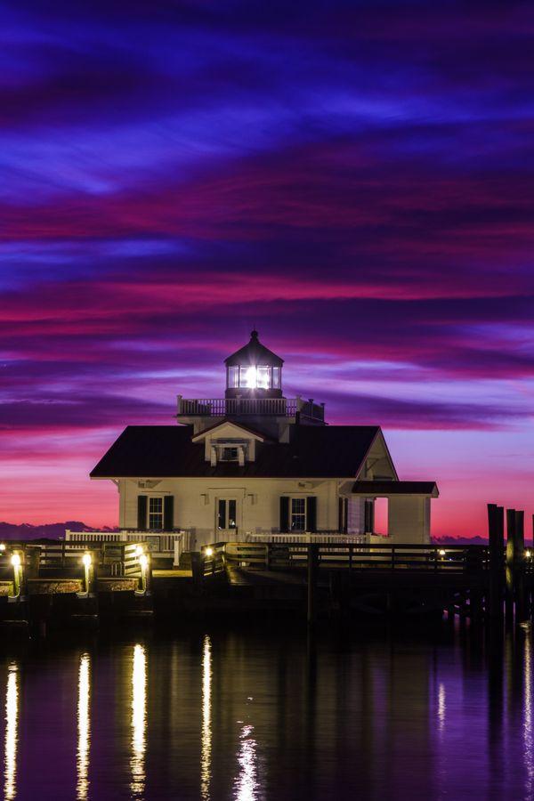 Sunrise over Roanoke Marshes Lighthouse, North Carolina thumbnail