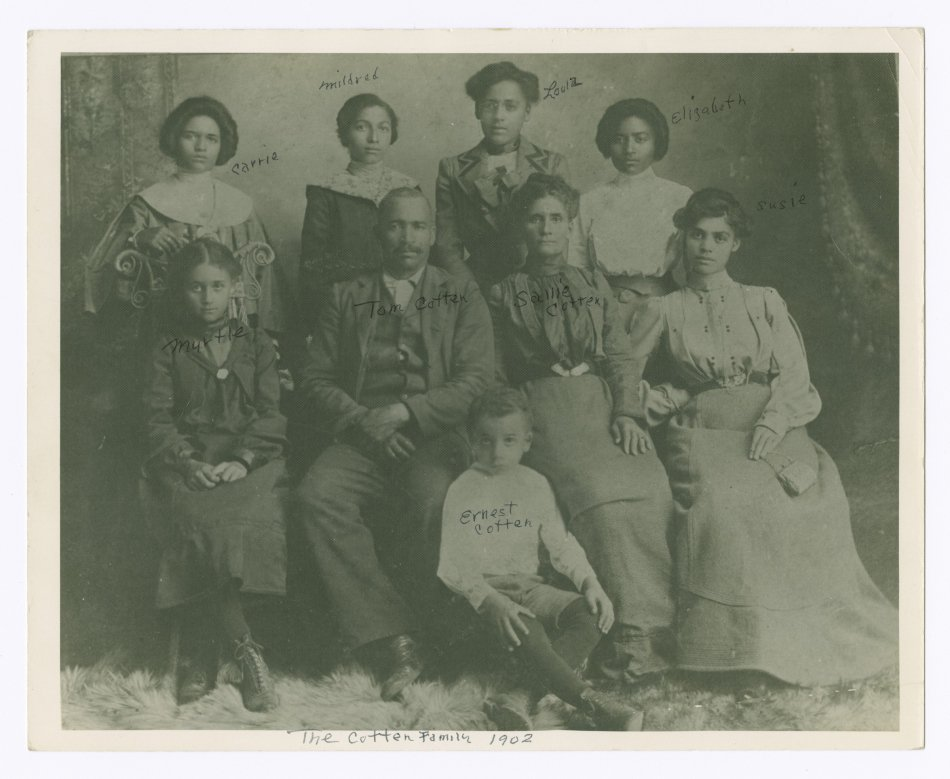 How the Smithsonian Can Help African American Families Research Their Ancestors