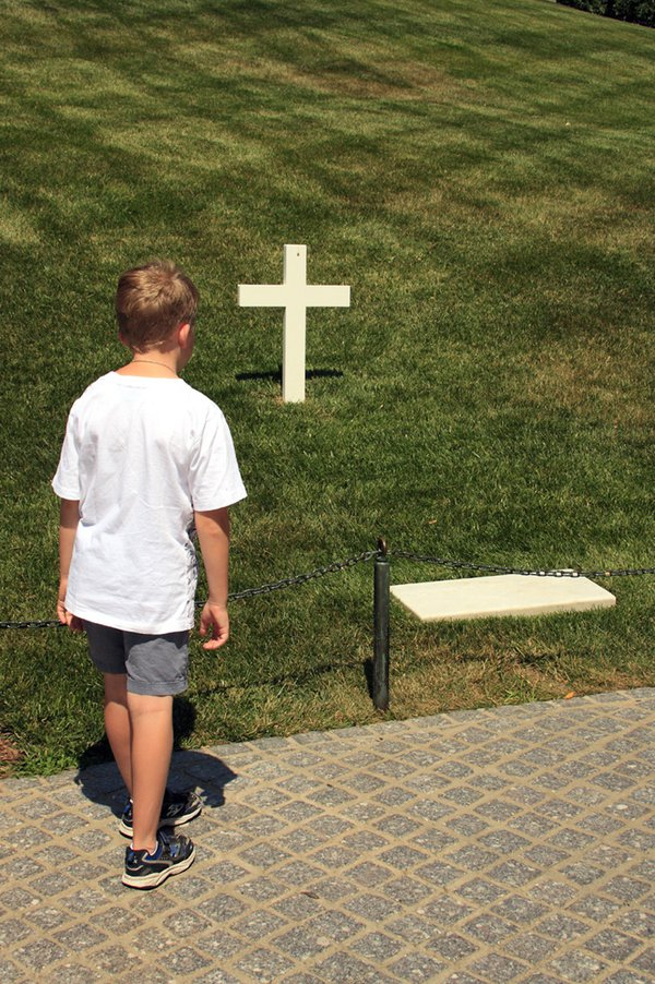 First visit to Arlington National Cemetery - Honoring Robert Kennedy thumbnail