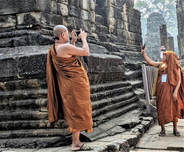 Monks in Angkor Wat thumbnail