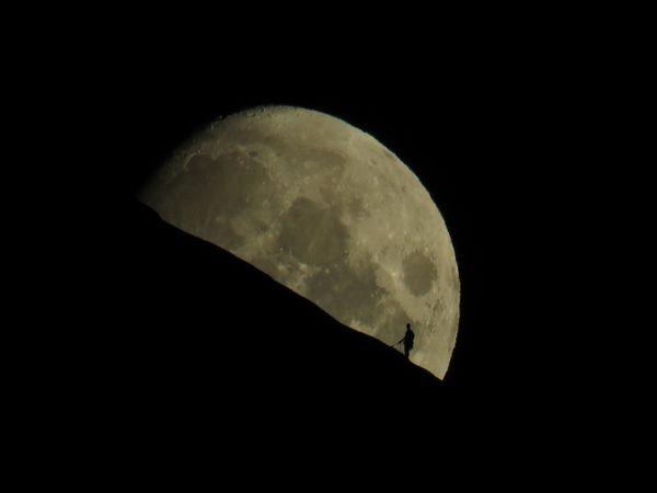 Man on the moon thumbnail