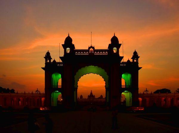 Mysore Palace at sunset thumbnail
