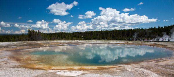 Yellowstone National Park near Grand Prismatic Spring thumbnail