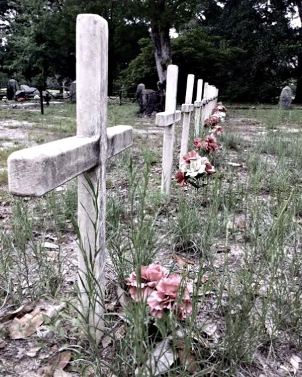Graves of unknown Confederate soldiers thumbnail