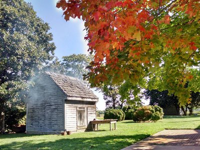 This recreated wooden building resembles one that may have housed enslaved people on John Dickinson's Dover, Delaware, plantation.