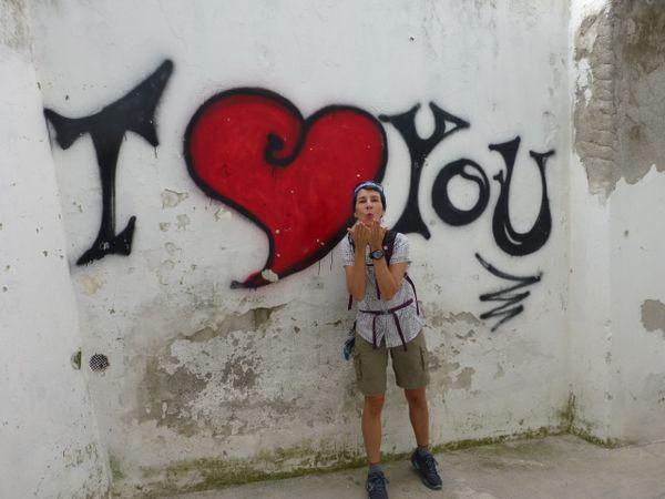 Italian Graffiti Love thumbnail